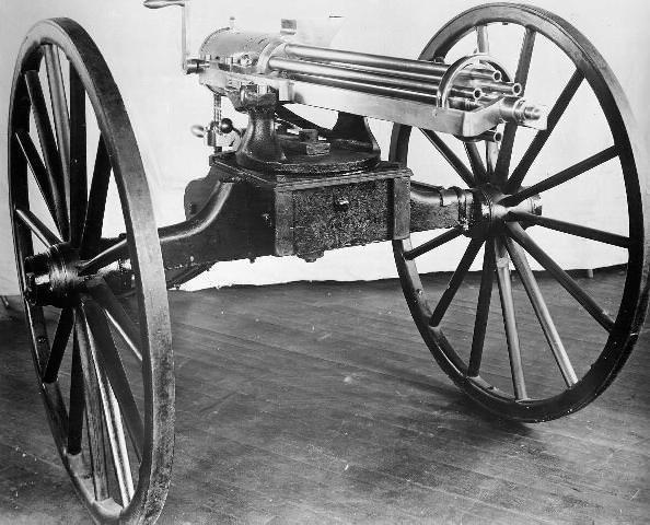 現代兵器の母「機関銃」
