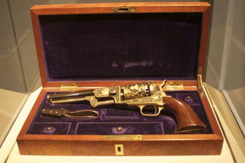 Colt_Dragoon_revolver