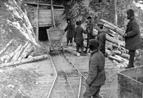 コルィマ鉱山1